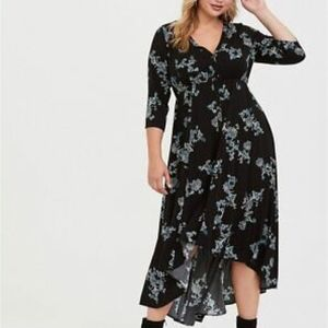 TORRID BLACK FLORAL HI-LO CHALLIS DRESS